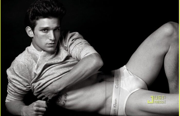 daren-kagasoff-vman-magazine-shirtless-02