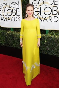 The pregnant actress stunned in a yellow Prada gown. (PC: Getty Images/Vanity Fair)