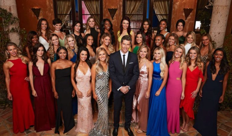 4 Laurens, 2 Rebeccas, and a lot of extensions gather for the new season of The Bachelor.