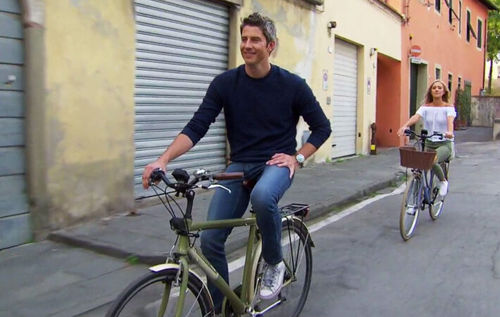 Arie and Lauren B. try not to crash on the last travel date before hometowns.